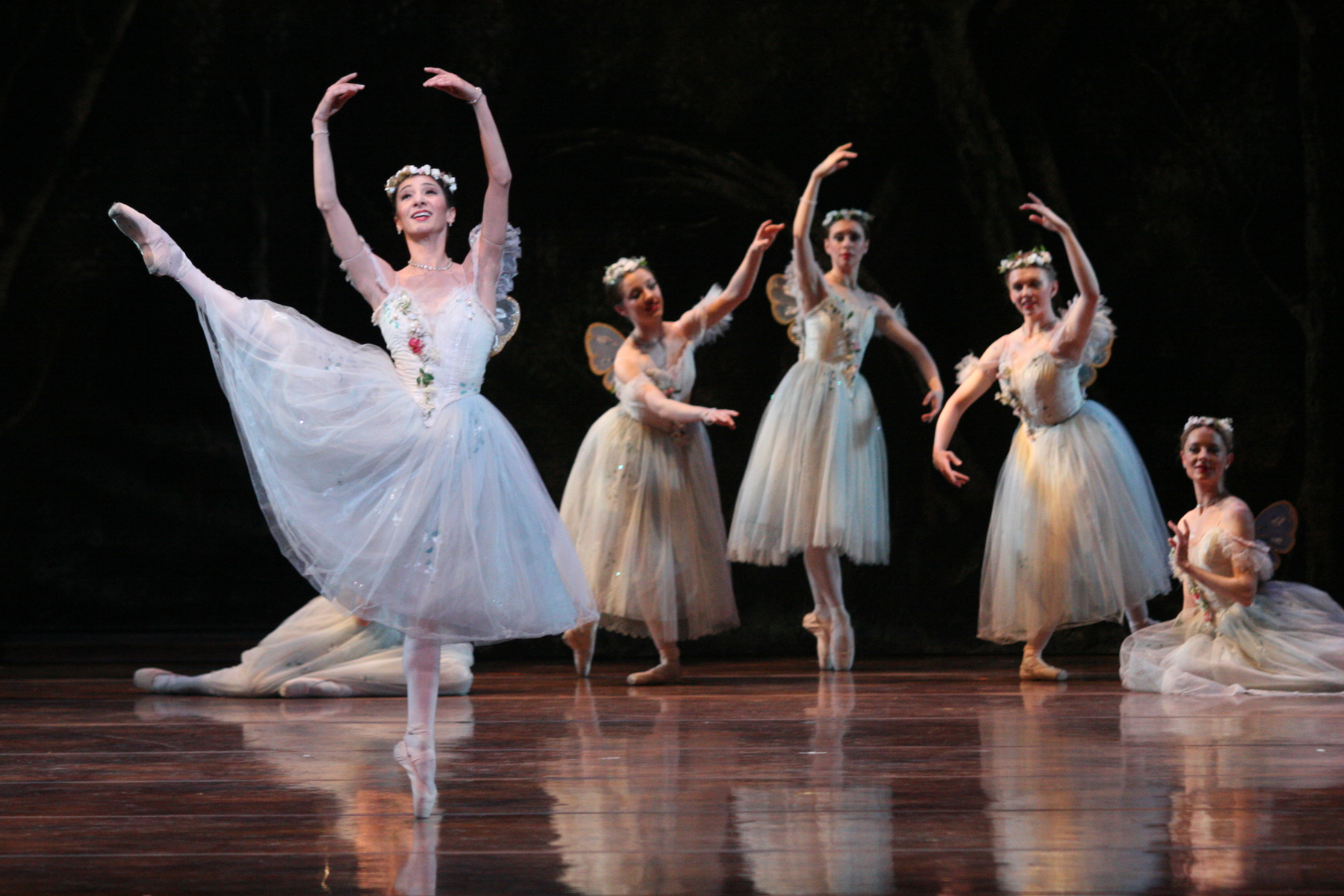 """La Sylphide"" Is Charming and Ethereal"
