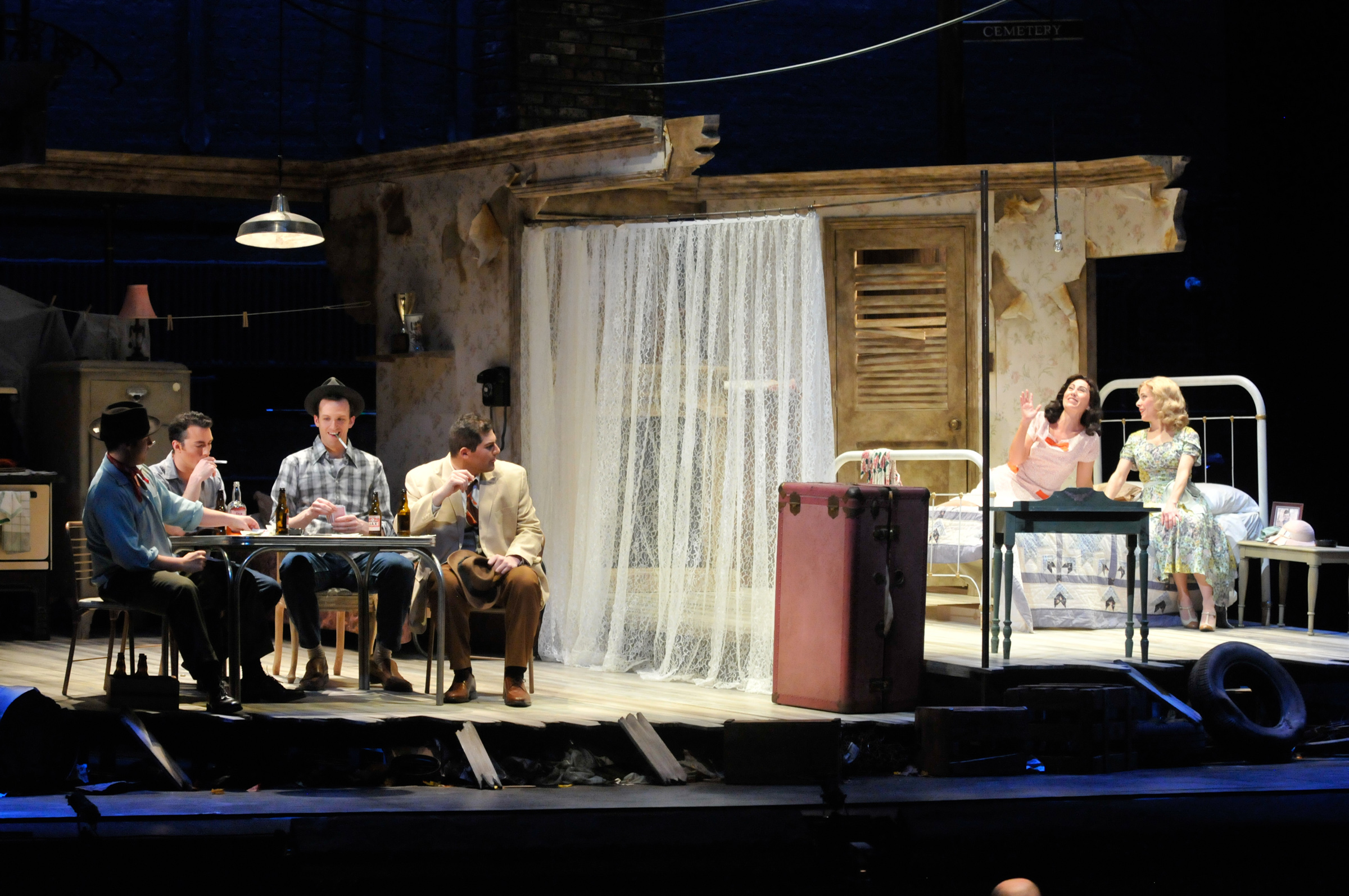 "Powerful, ""Streetcar"" Opera Faithful To Williams"