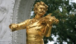 Europe_Austria_Vienna_Stadtpark_Statue-Of-Johann-Strauss-II