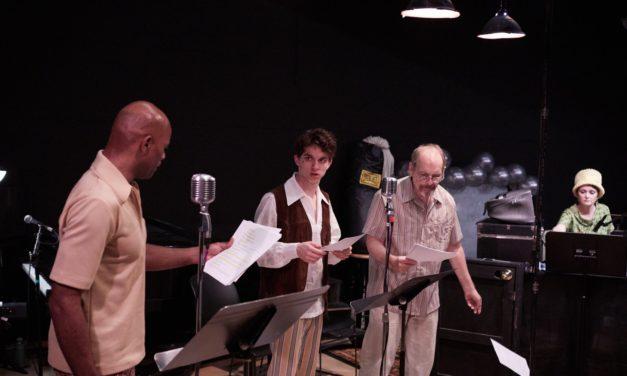An Explosion Of Homicide (Kentucky Shakespeare)